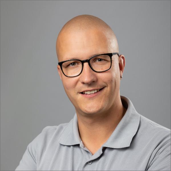 Handwerker Marco Druckrey der JMN Tischlerei GbR: Meisterbetrieb in Bergen auf Rügen